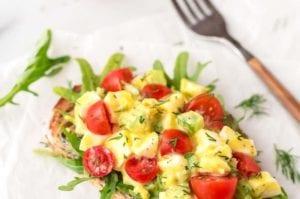 Σαλάτα με κόκκινα αυγά