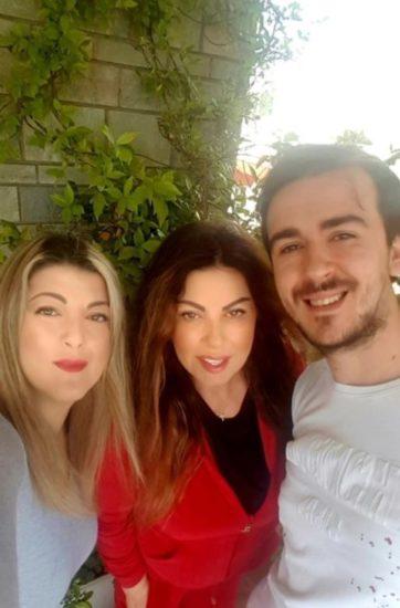 Η Άτζελα Δημητρίου με την κόρη της Όλγα και τον γαμπρό της Φώτη Λόση