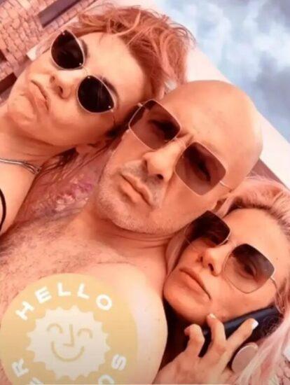 Η Ζέτα Μακρυπούλια, ο Νίκος Μουτσινάς και η Ματίνα Νικολάου σε διακοπές