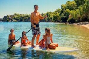 Ο Σάκης Ρουβάς με την οικογενειά του