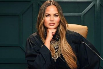 Chrissy-Teigen-twitter-black-enterprise1