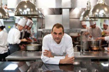 O Daniel Humm σερβίρει στο πολυτελές του εστιατόριο γεύματα για απόρους