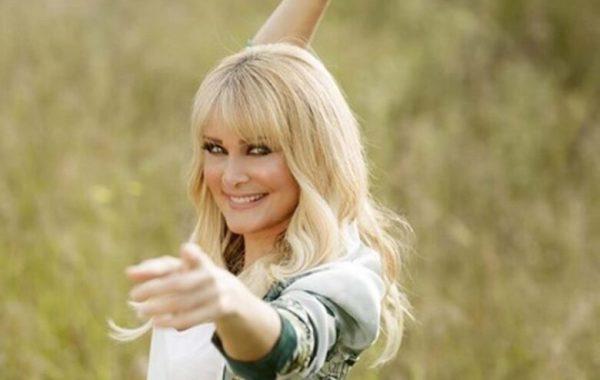 Η Νατάσα Θεοδωρίδου δήλωσε οτι δεν την ενδιαφέρει να κάνει τηλεοπτική εκπομπή